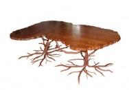 Table en fer forgé, à plateau en frêne
