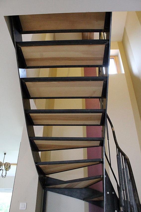 Escalier contemporain m tal bois fr ne olivier for Antiderapant escalier interieur